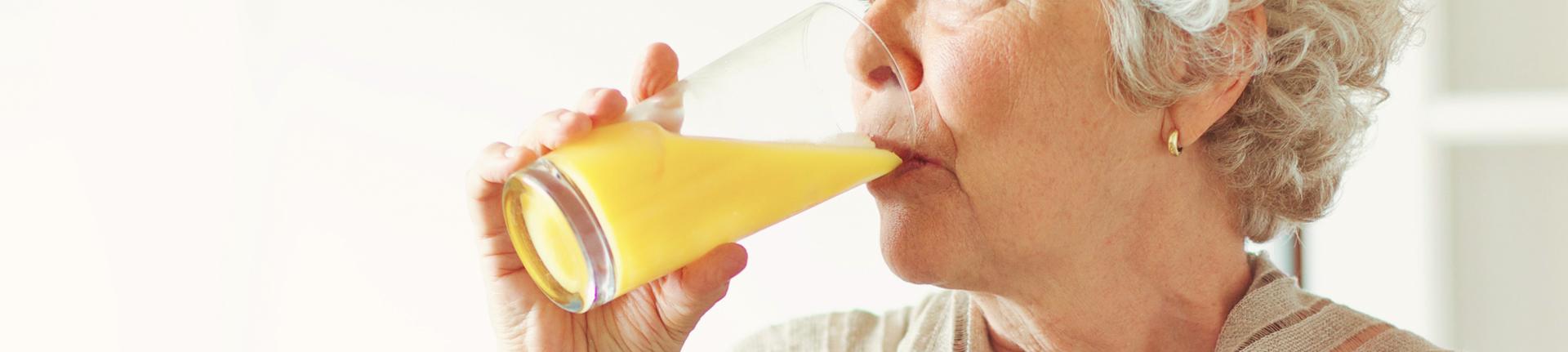 Mulher e saúde: alimentos indicados no climatério e na menopausa