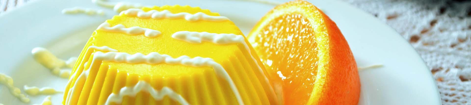 Flan de laranja e baunilha para a sobremesa