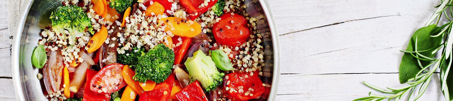 Tabule de quinoa para uma refeição leve