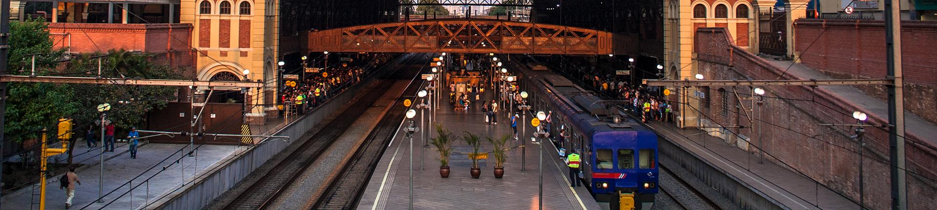 Viagens de trem pelos trilhos do interior de São Paulo